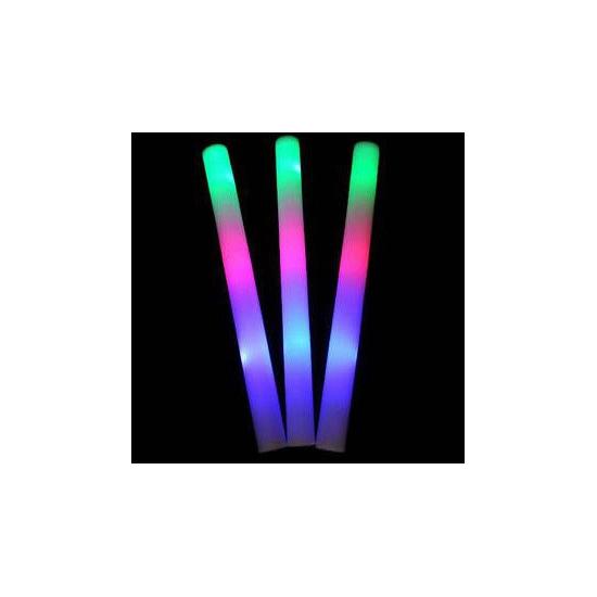 Lichtgevende gekleurde glow stick (bron: Hawaii-feestwinkel)