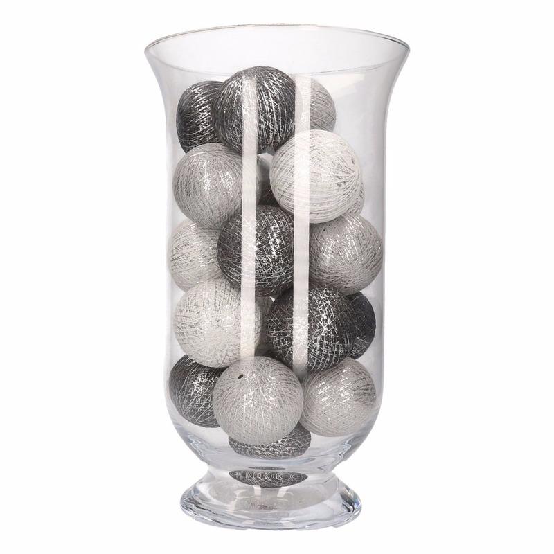 Woondecoratie grijs-witte verlichting in vaas
